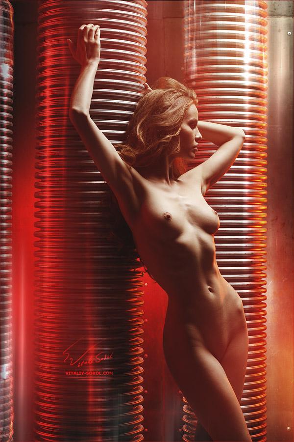 Кибернетическая девушка. Кристина Якимова в жанре НЮ от фотографа Виталия Сокола