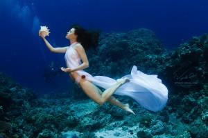 Подводная фотография. Девушки модели под водой. Underwater fashion by Vitaliy Sokol